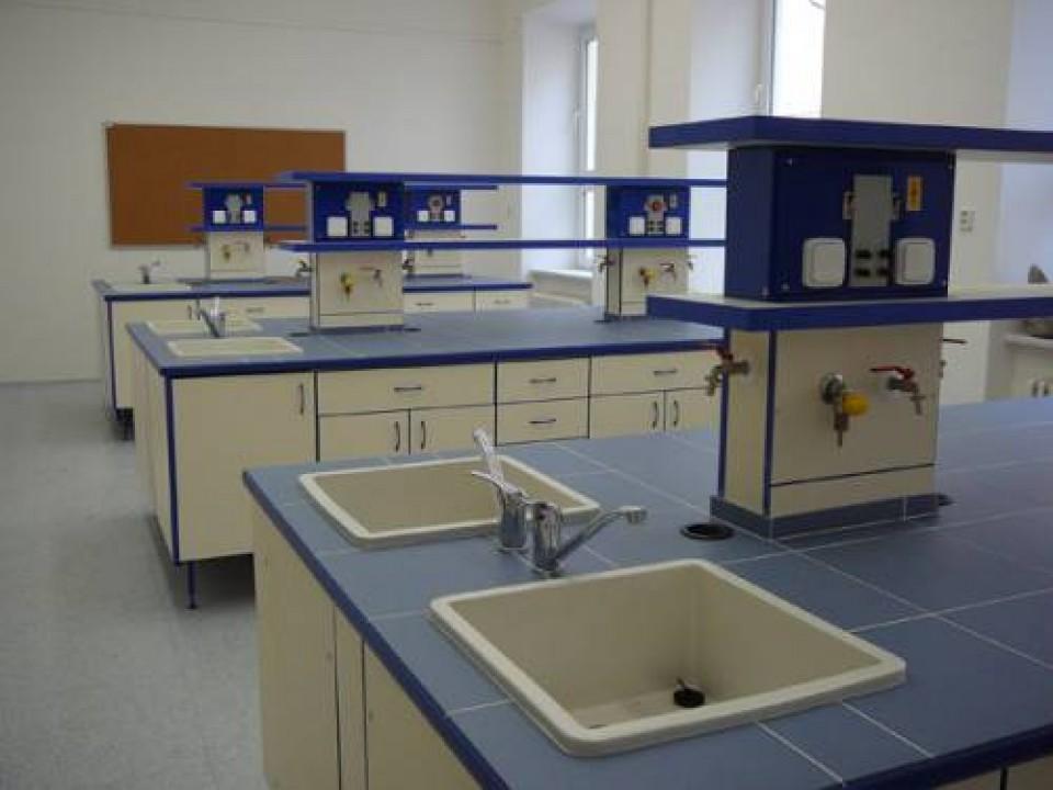 Meble laboratoryjne